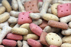 Hrană uscată pentru câini cu nutrienți